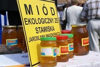 Zbigniew Wojcieszek Miód ekologiczny ze Stawiska Jarosława Iwaszkiewicza foto: Dariusz Małanowski
